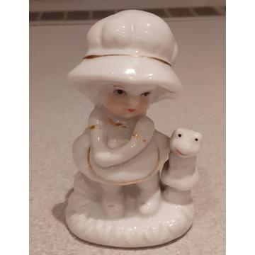 Mała figurka porcelanowa