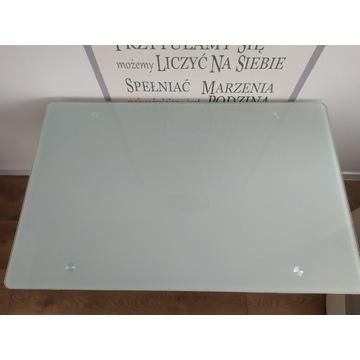 Stół z mlecznym szkłem