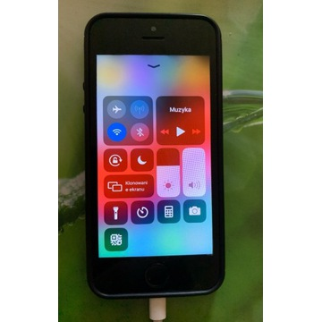 Sprzedam IPhone 5 s 16 GB w dobrym stanie