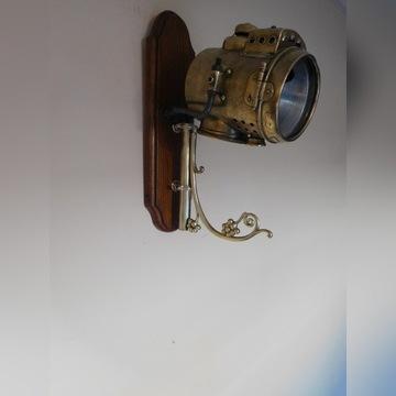 Stara karbidowa lampa z automobilu