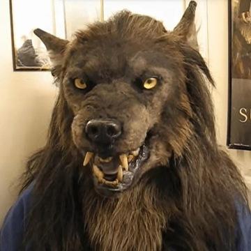 Straszna maska wilkołak