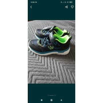 Buty sportowe chłopięce r 28