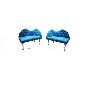 Sofa, sofka, poczekalnia.
