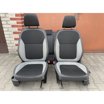 Fabia III HB NJ fotele z airbag, kanapa komplet