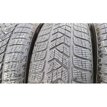 Pirelli SCORPION WINTER 215/65/17 dot 4118 ok 7mm