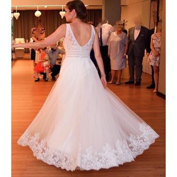 Idealna koronkowa suknia ślubna w literę A