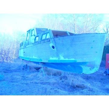 Kadłub łodzi  (łódż- silnik mercedesa)