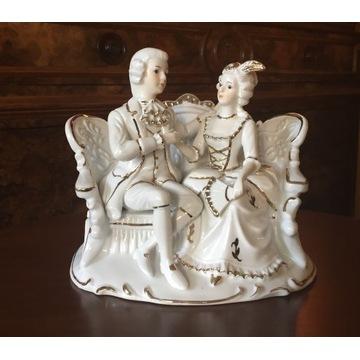 Piękna duża porcelanowa figurka