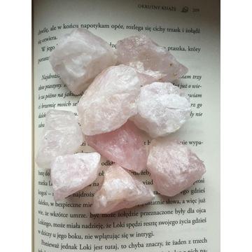 kwarc różowy bryłka około 4cm