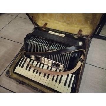 Akordeon hohner tango 2m 96 basów stan wzorowy