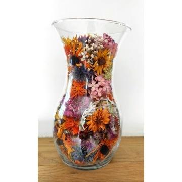 Dekoracje- suszone kwiaty w szkle.