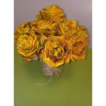 Róże z jesiennych liści