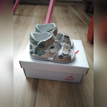 Sandałki skórzane Emel roz. 20