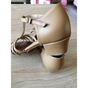 Buty do tańca towarzyskiego 33