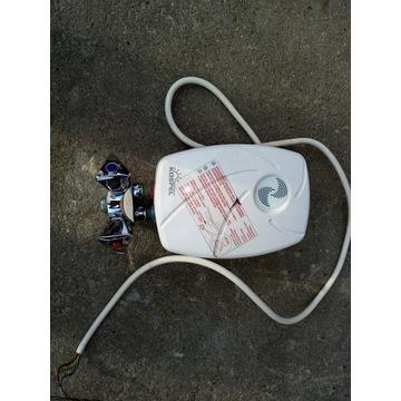 Przepływowy wody z bateria