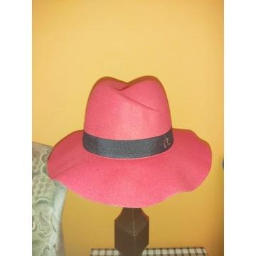 Nowy kapelusz