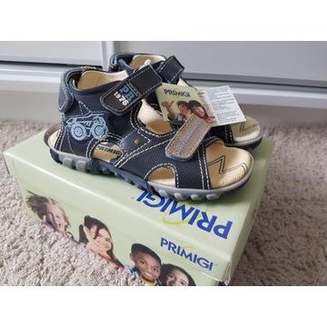 Nowe buty dziecięce - sandały Primigi