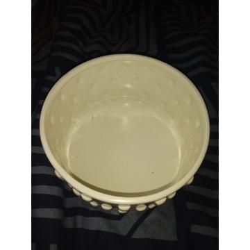 Pojemnik / podstawka ceramiczna pod kwiatki