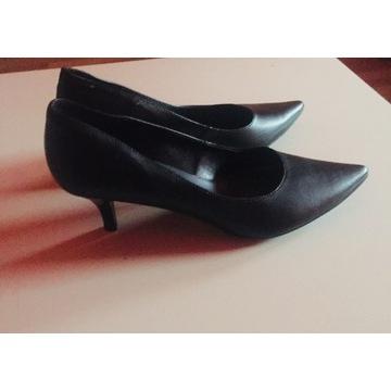 Buty szpilki, czółenka, czarne niski obcas  38