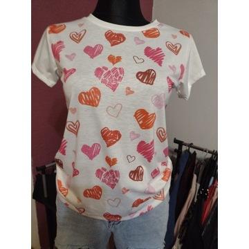 T-shirt w serduszka
