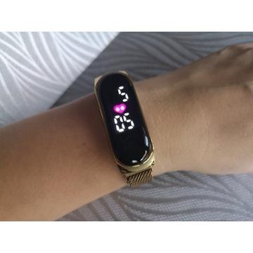 Damski zegarek Led z magnetycznym zapięciem