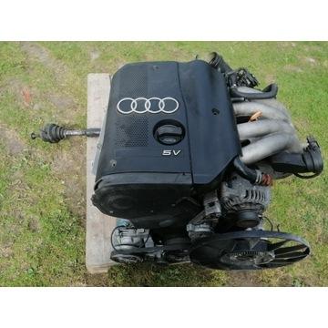 Silnik kompl.      ze skrzynią  Audi  a4 b5  1.8 b