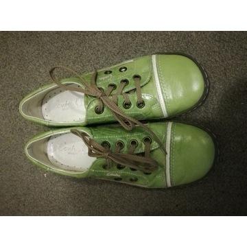 Zielone skórzane buty