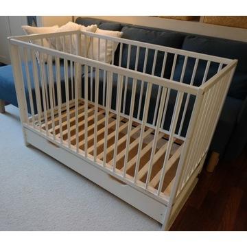 Łóżko dziecięce ze szczebelkami kojec