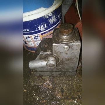 Lewarek hydrauliczny