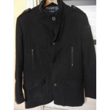 Płaszcz jesienno-zimowy marki LAVARD
