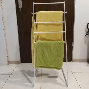 Wieszak metalowy na ręczniki