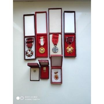 Zestaw odznak PRL