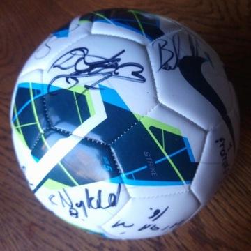 Piłka z podpisami KS Cracovia