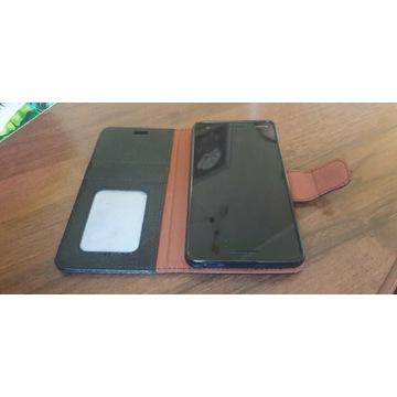 Nokia 2.1 z czarnym etui
