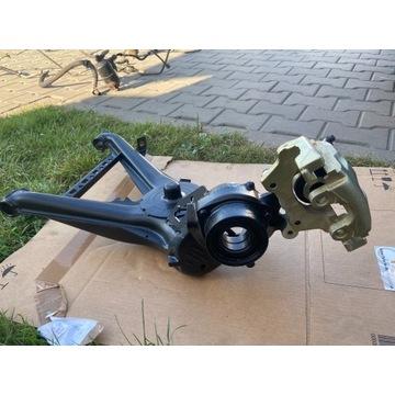 Adaptery Zacisków BMW E30 Tył 320mm Big Brake Kit