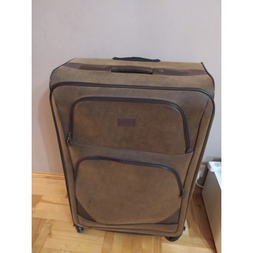 Wielka walizka podróżna, turystyczna