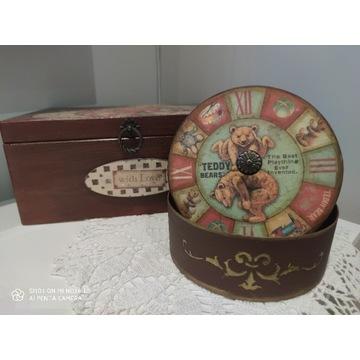 Duża drewniana szkatułka i okrągłe pudełko