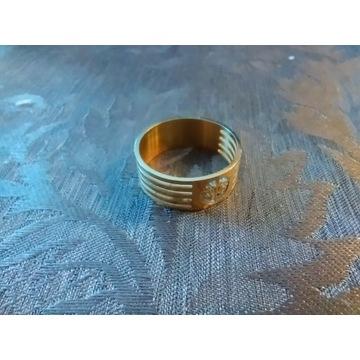 Efektowna obrączka unisex złoty kolor ze stali
