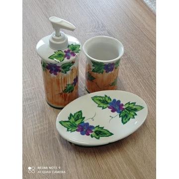 komplet łazienkowy - porcelana - wzór rustykalny
