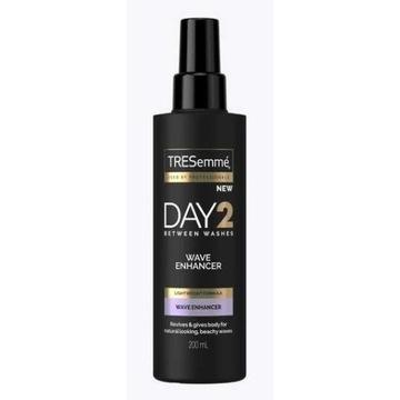 TRESEMMÉ Day2 spray podkreślający fale 200ml