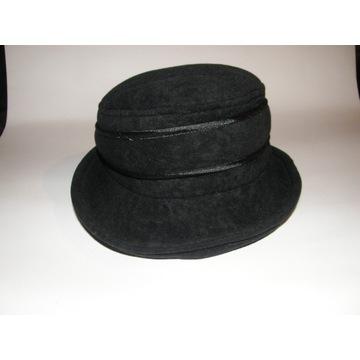 Welurowy miękki kapelusz CZARNY 56-58cm