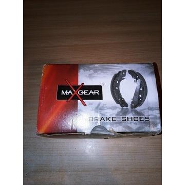 Zestaw szczęk hamulcowych 19-0299 MAXGEAR