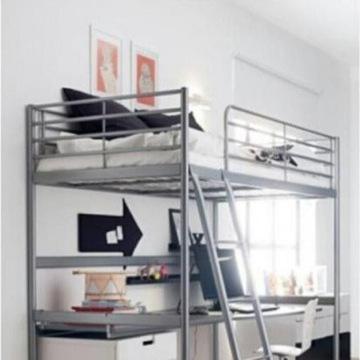 IKEA z blatem biurka, półką i materacem
