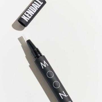 Kendall Jenner Teeth Whitening Pen MOON