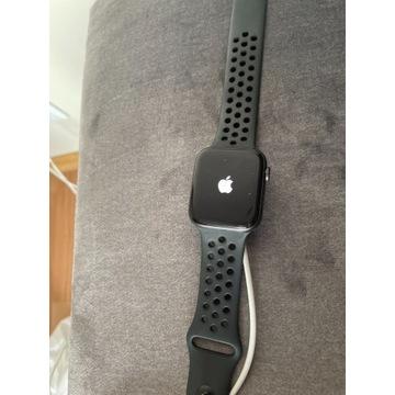 Apple Watch Series 5 44mm, nike