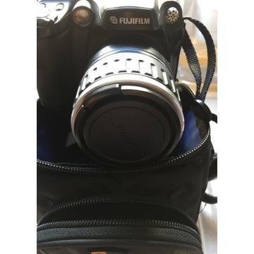 Stare aparaty fotograficzne, kamera, lampy błysk