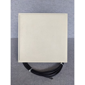 Antena panelowa Cybertech 17dB UMTS/HSPA