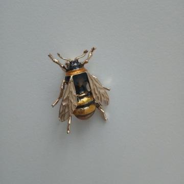 Broszka pszczoła natura owad emalia nowa