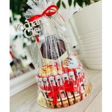 Tort ze słodyczy - prezent na każdą okazje