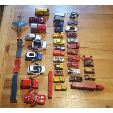 Zestaw samochodzików resoraków 43 sztuki
